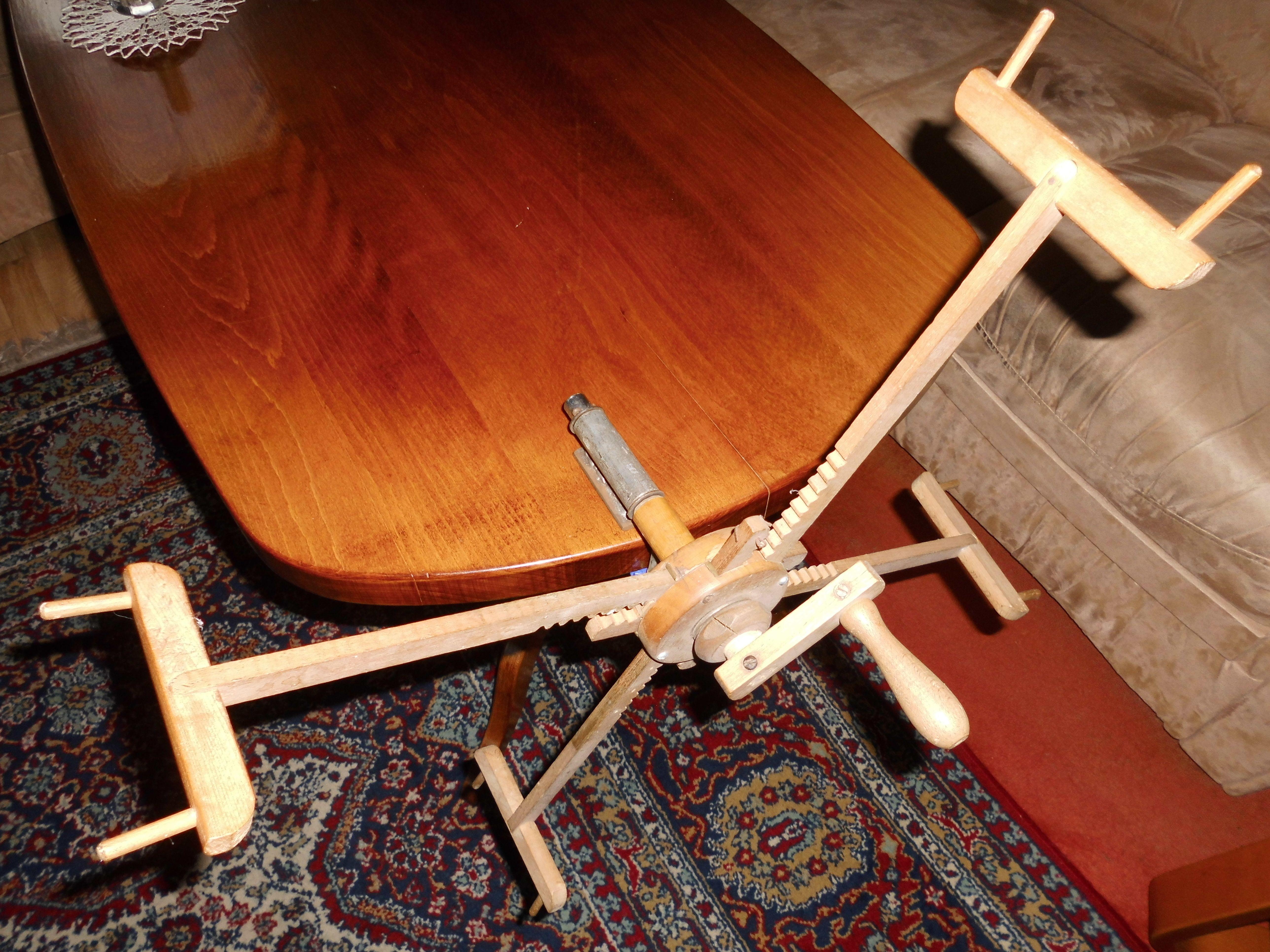 praktische hilfe beim wolle wickeln helgas garten. Black Bedroom Furniture Sets. Home Design Ideas